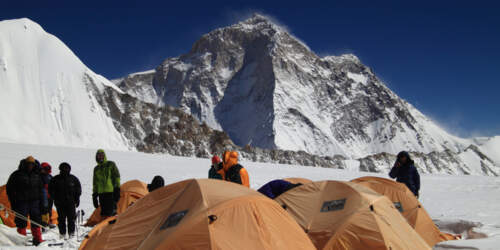 Expeditionen in Himalaya, Karakorum, Zentralasien, den Anden und Afrika. 8000m-Expeditionen: G1, G2, Nanga Parbat, Makalu, Manaslu, Cho Oyu und Mount Everest.