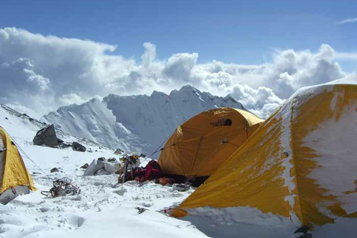 Camp 3 am Everest (Nepal) mit Blick auf Nuptse | © SummitClimb - Nepal Everest