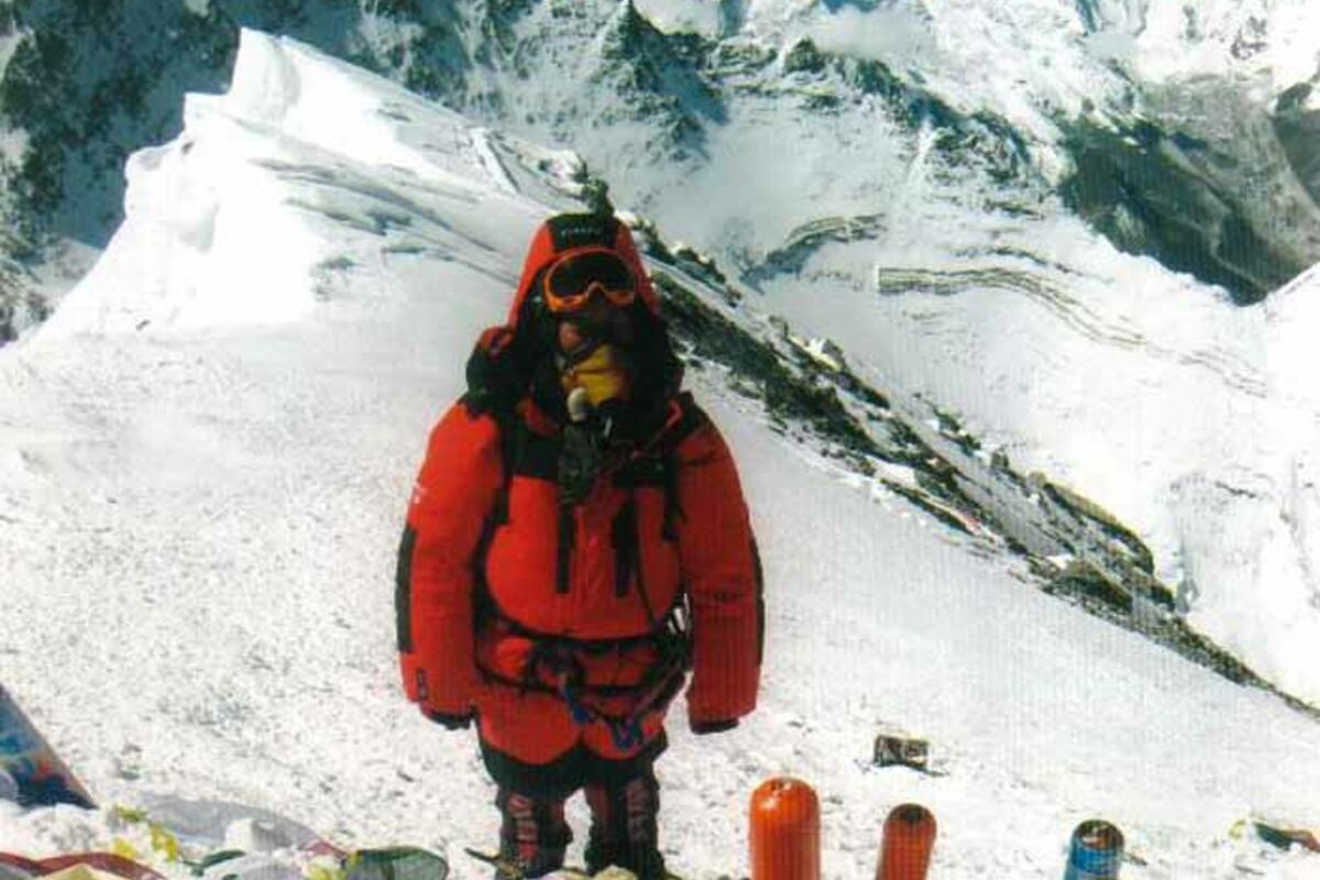 Maya Sherpa (woman) on top of Everest