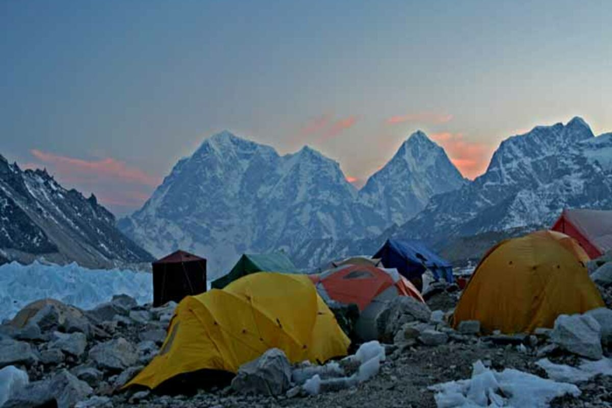 Expedition in Nepal, Mount Everest Basislager