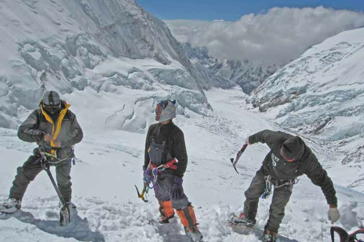 Climbers on Lhotse | © SummitClimb Nepal