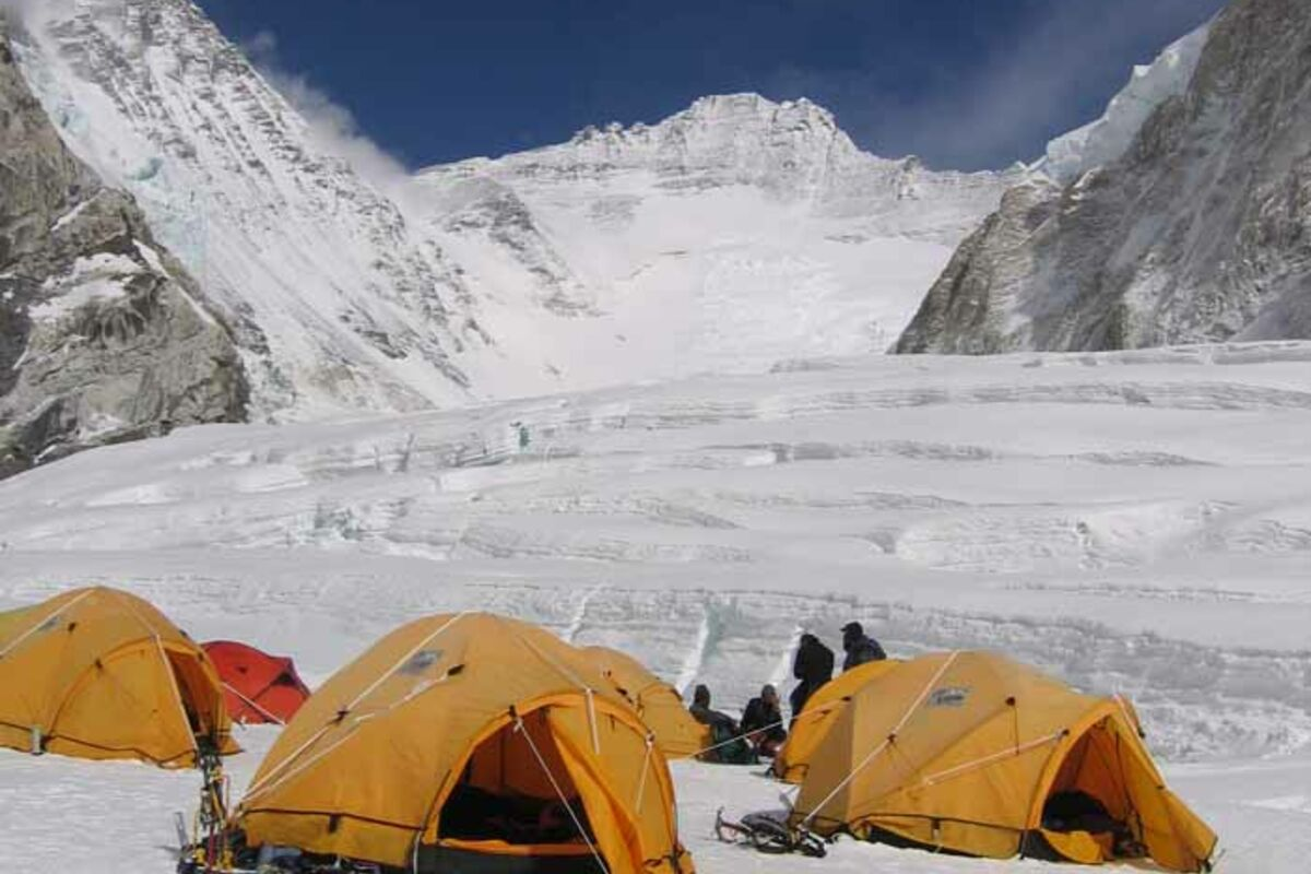 Expeditions Nepal Mount Everest and Lhotse, Camp 2 | © SummitClimb Nepal